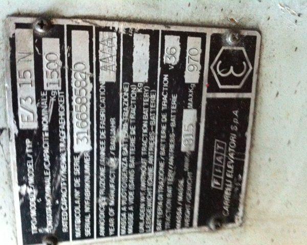 Dettaglio targhetta muletto Cesab - SGA Shopmetalshelves